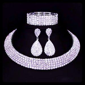 Women Fashion Necklace Earrings And Bracelet